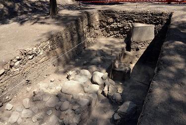 Se ubicaron cuadros y rectángulos unidos por muros colindantes. Foto Melitón Tapia INAH